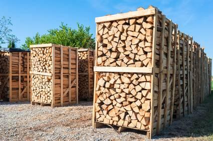 Brennholz-kaufen-in-meiner-Nähe-oder-Brennholz-lagern
